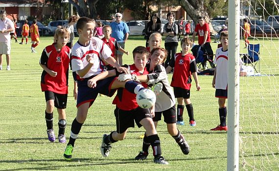 Under 12's Stroll To Victory
