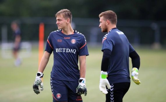 Former Jacks keeper makes Charlton first team debut