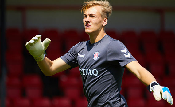 Maynard-Brewer extends contract at Charlton